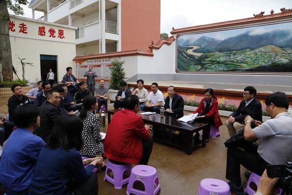 省政协副主席李正阳一行赴巧开展脱贫攻坚助推活动