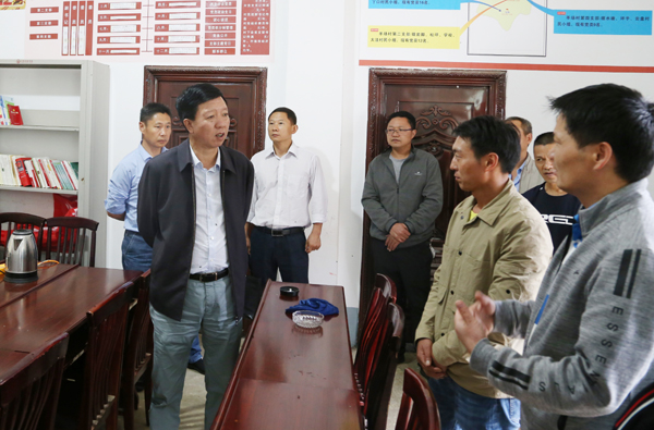 张华昆到白鹤滩镇和药山镇调研脱贫攻坚等工作
