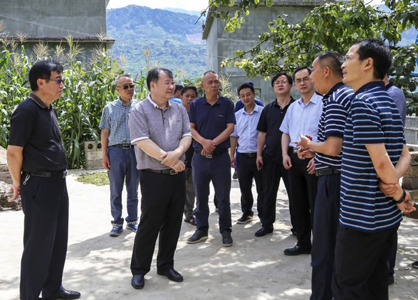 国务院抗震救灾指挥部办公室工作组赴巧家检查工作